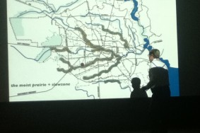 Lars Lerup explaining his analysis of the Houston cityscape. Photo by John Parman..